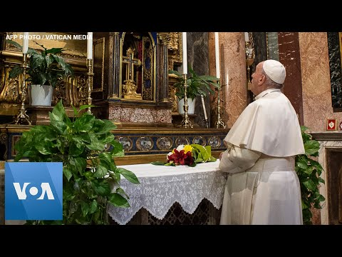 Pope Francis Visits Two Churches in Rome, Prays for End of Coronavirus Pandemic