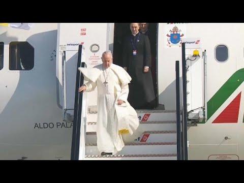 البابا فرنسيس يصل أيرلندا وسط أزمة الانتهاكات الجنسية التي تهز الكنيسة الكاثوليكية…
