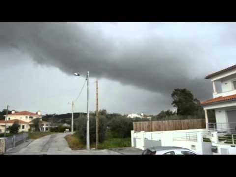 nuvem shelf cloud na Caranguejeira 4-4-2013