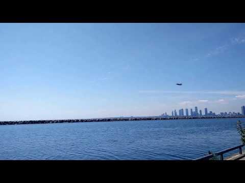Low Pass Fighter Jet  (Toronto Air Show 2016)