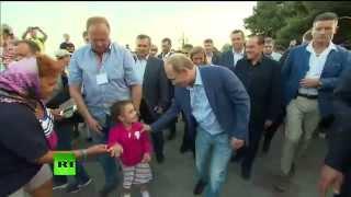 Владимир Путин во время прогулки по Ялте сфотографировался с детьми