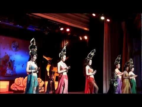 Golden Dome Cabaret Show Bangkok 2012 3