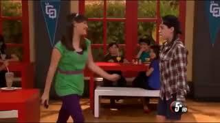 La CQ clip Divertido~Adriana y Clara se Pelean(Se pelean entre otros) {auto inglés traducido}