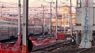 """""""Amico Treno non ti pago"""" al binario 21 -stazione centrale Milano-"""