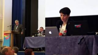 Roland Ulbrich bringt Frauke Petry zum Weinen in Weinböhla (AFD)