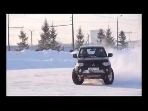 Вопрос: Как водить автомобиль по снегу и льду?