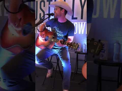 Dustin Lynch - Ridin' Roads 6/13/19