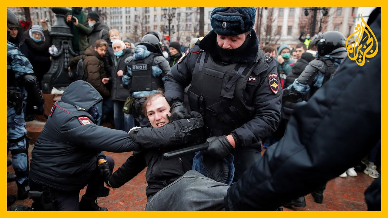 الشرطة الروسية تفرج عن معظم المتظاهرين المؤيدين للمعارض أليكسَي نافالني  - نشر قبل 23 ساعة