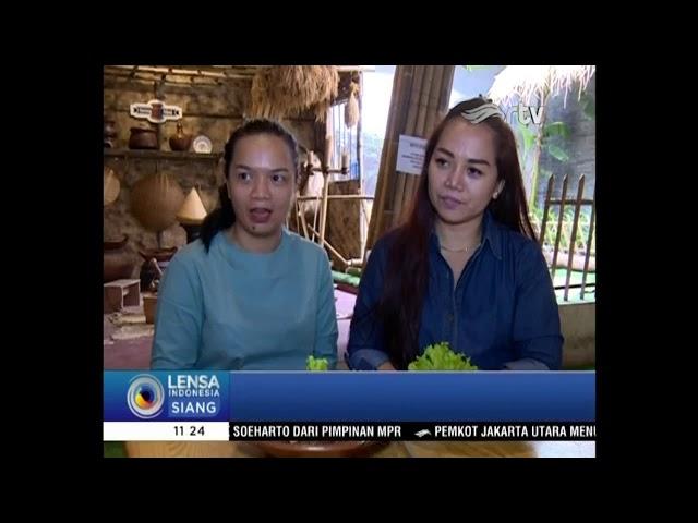 UNIKNYA MAKAN DI RESTORAN  SEENG NINI - 19 MARET 2018