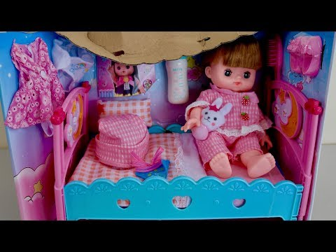 Baby Doll Bed Playpen Furniture Playset for Dolls Review 赤ちゃんのお世話セットで遊びました。 タブレットが付いていて、赤ちゃんがなにをして欲しいか教えて