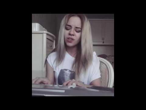 Красивая девушка блондинка видео