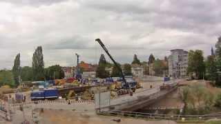 Freiburg Kronenbrücke, Montage der Behelfsbrücke durch das THW