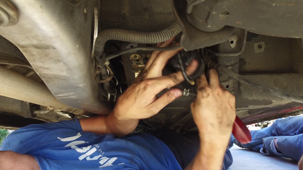mazda miata mx5 na fuel filter replacement (how to) (4k)