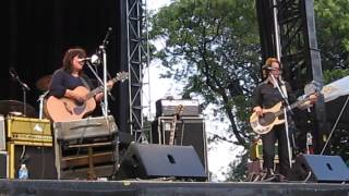 The Breeders - Oh! - 2013 Pitchfork Music Festival