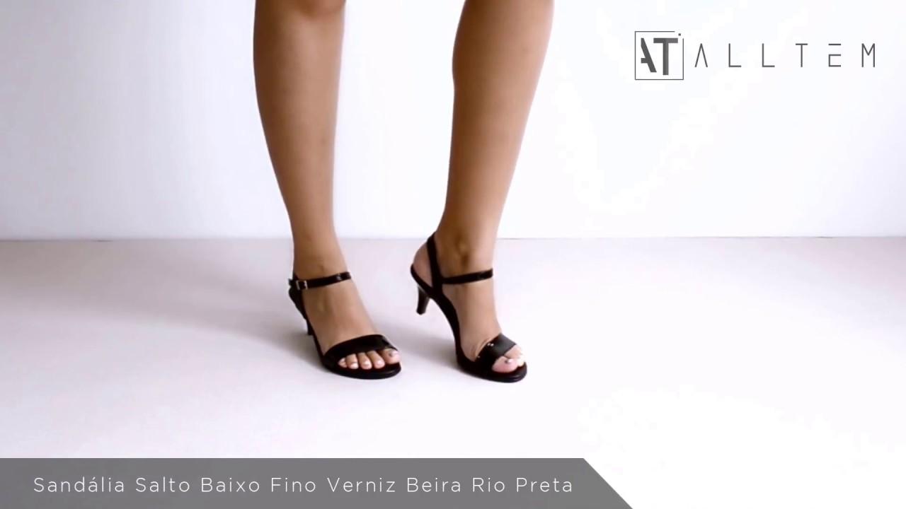 3acf19701d Sandália Salto Baixo Fino Verniz Beira Rio Preto - YouTube
