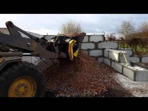 The MB Crusher Bucket MB-L160 Crushing Brickc And Rubble