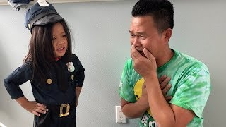 Hello Kitty Stole Breakfast from Dad police came to help - Pretend play for kids