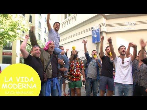 """Asalto a la sede de UPYD al grito de """"CON RIVERA NO"""" #LaVidaModerna"""
