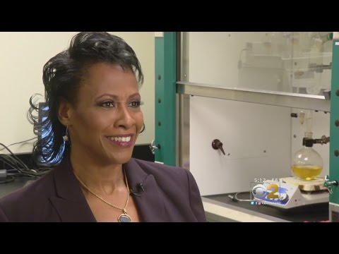 Chicago Female Chemist Acts As Role Model For Young Girls