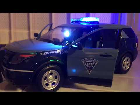 Massachusetts state Police Ford Explorer W/ working lights