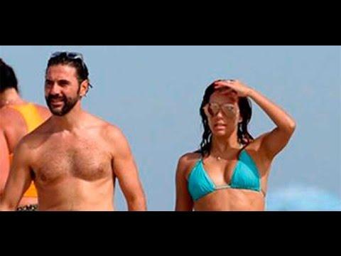 Captan a Eva Longoria y Pepe Bastón en una Playa Nudista en Ibiza thumbnail