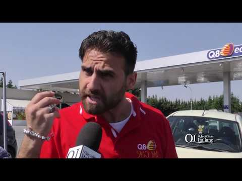 Bari, oltraggio agli agenti dopo il verbale: 'Ammanettato come un assassino'