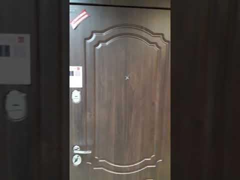 Входные двери из металла обладают множеством преимуществ, в сравнении с моделями из пластика и пвх. Они: обеспечивают надежную защиту помещения;; привлекательно выглядят;; рассчитаны на длительную эксплуатацию;; обладают высокими звуко и теплоизоляционными свойствами.
