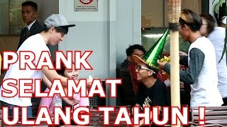 BIRTHDAY SURPRISE TO STRANGERS PRANK !! Ft Ibaf Fabi - Prank Indonesia thumbnail