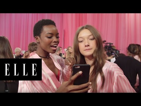 Victoria's Secret Backstage Karaoke | ELLE