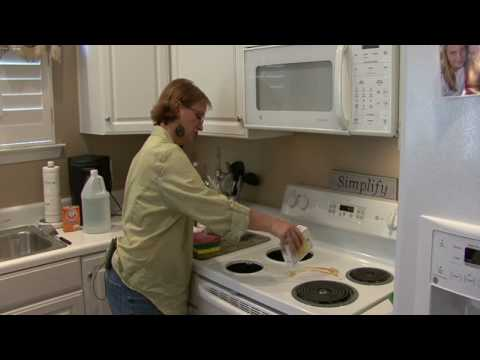 Cleaning Kitchens : How to Clean a Stove