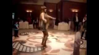 Düğünlerde azeri kizlardan super dans ( Azeri Düngünleri )