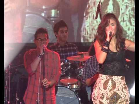 Agnes Monica - Cinta Diujung Jalan Live in Pekanbaru 3 Desember 2011