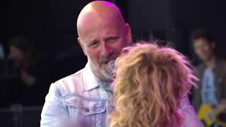 Liveregistratie van het optreden van BLØF en Jacqueline Govaert op ...