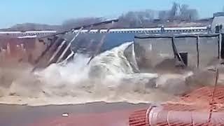 Пустую растрата финанси государство стройка дамби Белоомут разарвало 09 04 2018г(1)