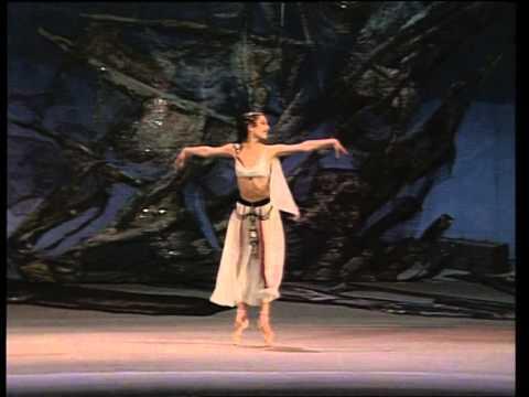 Altynai Asylmuratova, Le Corsaire (Medora's entrance, Act I)