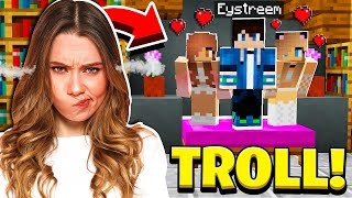 TROLLING MY GIRLFRIEND IN MINECRAFT!