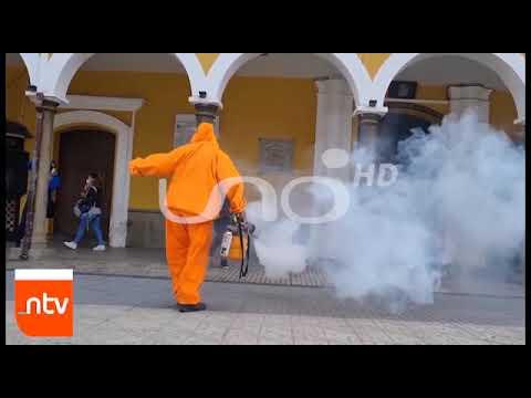 Al ritmo de salay trabajadora de EMSA fumiga la Plaza Principal| Cochabamba| Nortivisión