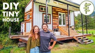 Living in a Compact 200 ft² Tiny House with Stunning Exterior & Interior Design