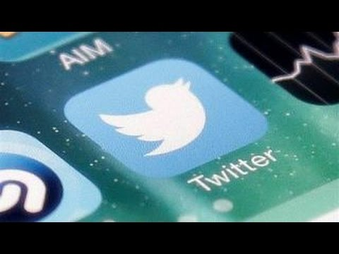 Twitter shares plummet after mixed earnings