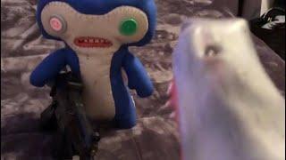 shark-puppet-defeats-alien
