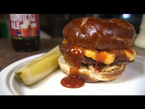 Chicago's Best Burger: Mars Cheese Castle
