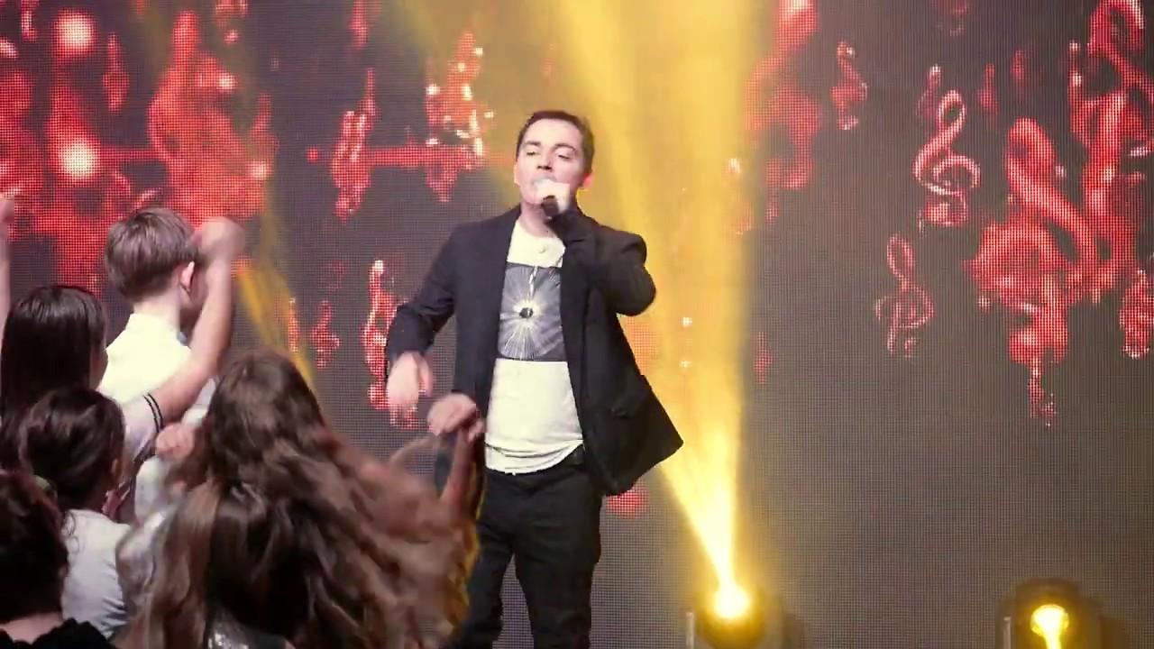Родион Газманов на конкурсе «Взлетай!» - Танцуй пока молодой! [LIVE]