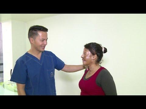Víctimas de ataques con ácido vuelven a sonreír en Colombia