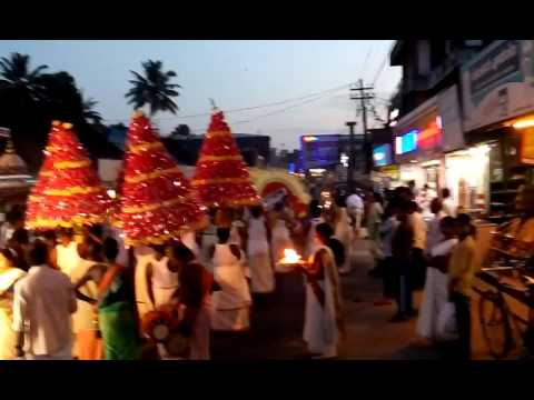 Glimpses of kerala (Singari melam + Nashik dhol)