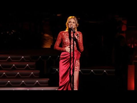 Kelsea Ballerini Rocks CMA Country Christmas Stage With 2 Epic Holiday Songs