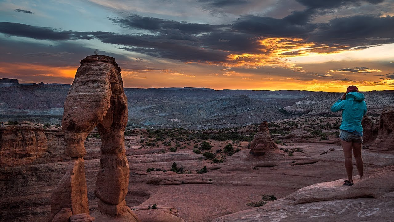 Delicate Arch Sunset Arches National Park Trail