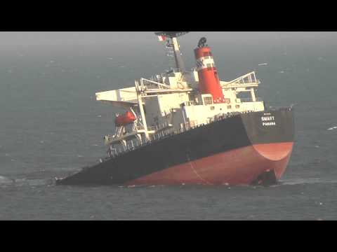 Ship stranded in Richards Bay (Day after accident)