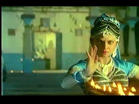"Been Bajata Ja Sapare - Варша Узгаонкар - Movie ""Doodh Ka Karz"""