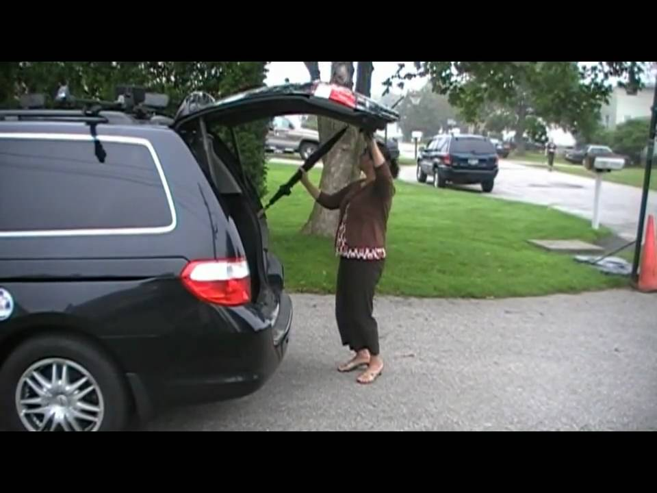 honda odyssey broken rear tailgate youtube. Black Bedroom Furniture Sets. Home Design Ideas