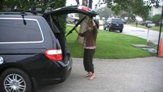 Honda Odyssey, broken rear tailgate
